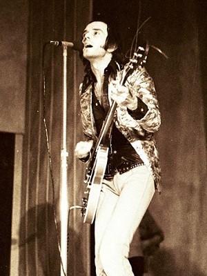 Peter Banks durante show no Reino Unido em 1972 (Foto: Divulgação/Terry Aldridge/psychosync)