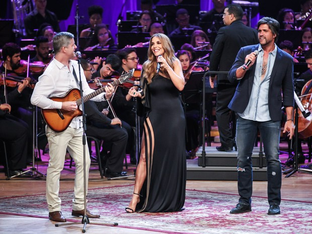 Ivete Sangalo canta com Victor e Léo em Salvador, na Bahia (Foto: Manuela Scarpa/ Brazil News)