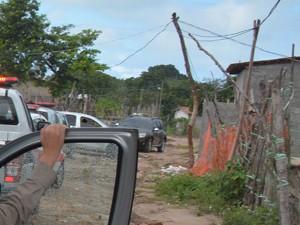 Tentativa de homicídio aconteceu na Comunidade do Aratu (Foto: Walter Paparazzo/G1)
