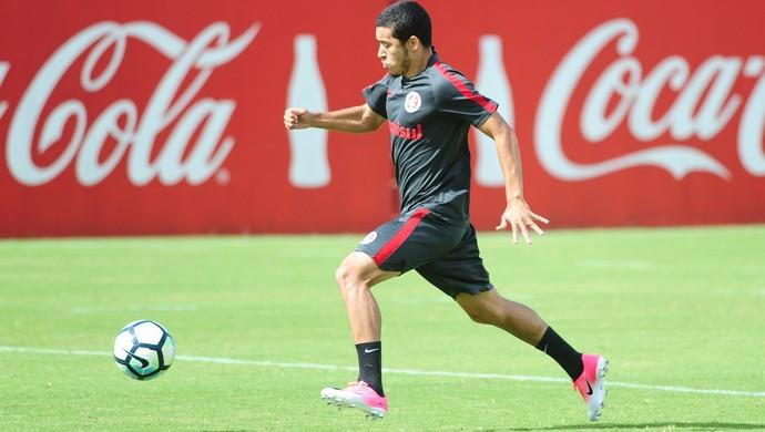 William, lateral-direito do Inter (Foto: Ricardo Duarte / Inter, DVG)