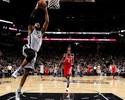 Spurs vêm ferozes do intervalo, batem Rockets e seguem imparáveis em casa