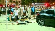 Carro desgovernada invade calçadão de Copacabana