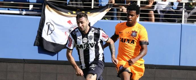 Lucas Pratto, do Atlético-MG, contra o Corinthians (Foto: Bruno Cantini/CAM)