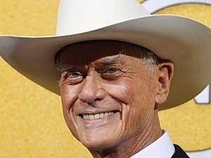 Larry Hagman, em foto de arquivo feita em janeiro de 2012.  (Foto: Mike Blake / Arquivo / Reuters)