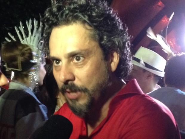 Alexandre Nero desgila pelo Salgueiro (Foto: Thiago Brandão / G1)