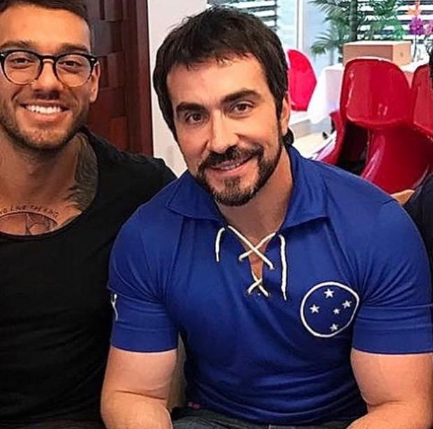 Foto publicada por Padre Fábio de Melo em homenagem ao aniversário de Lucas Lucco (Foto: Reprodução/Instagram)