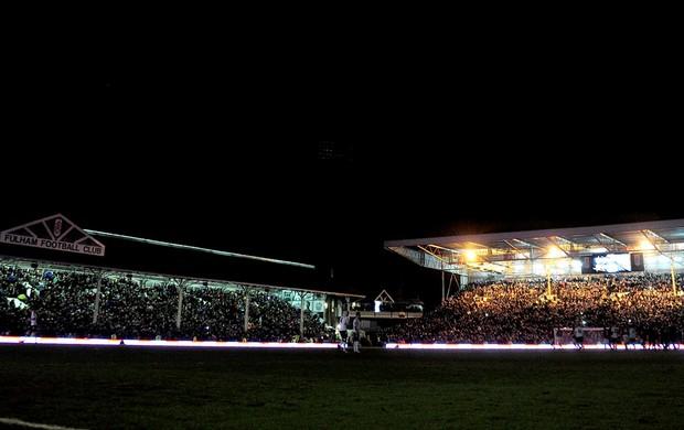 apagão no jogo do Manchester contra o Fullham  (Foto: Getty Images)