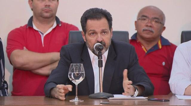 Agnelo Queiroz lamenta a derrota