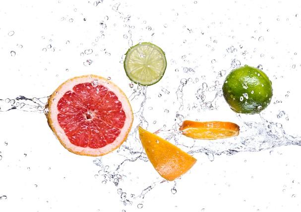 Saiba quais são as melhores frutas para se hidratar durante o verão (Foto: Thinkstock)