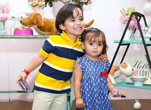Felipinho e Manuela Sato, sobrinhos de Sabrina Sato (Foto: Manuela Scarpa/Brazil News)
