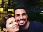Debora Bloch tira selfie com Cauã Reymond: 'Querido'