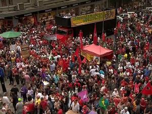 esquina democrática, PT, protesto, porto alegre, rs (Foto: Reprodução/RBS TV)