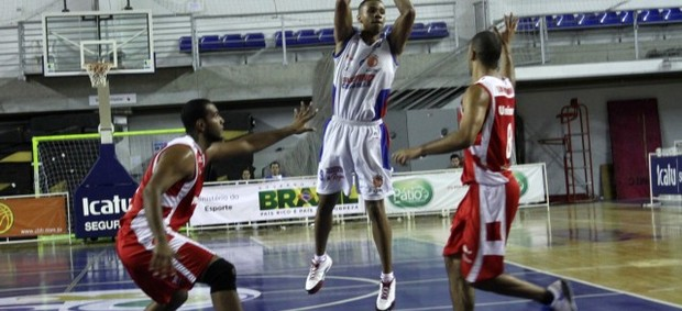 Jefferson Campos Suzano Basquete (Foto: Orlando Bento / Divulgação)