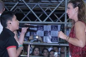 A sintonia foi total no dueto de Roberto Matheus e Ivete. (Foto: Fred Pontes / Divulgação)