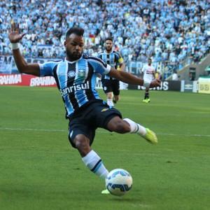 São Paulo x Grêmio na Arena - Fernandinho (Foto: Diego Guichard/GloboEsporte.com)