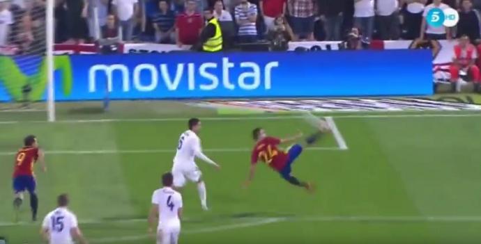 frame - Gaspar golaço Espanha x Inglaterra
