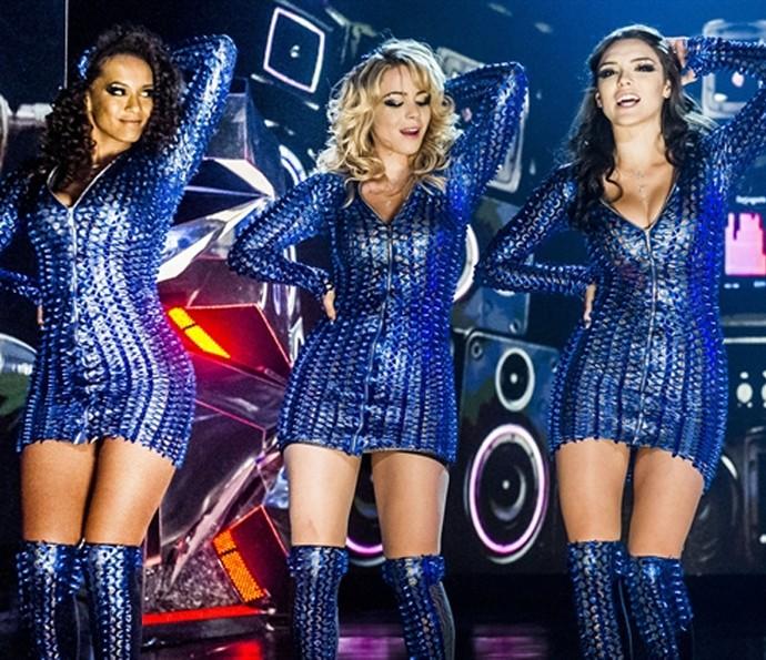 Taís Araújo, Leandra Leal e Isabelle Drummond no palco como as Empreguetes (Foto: TV Globo)