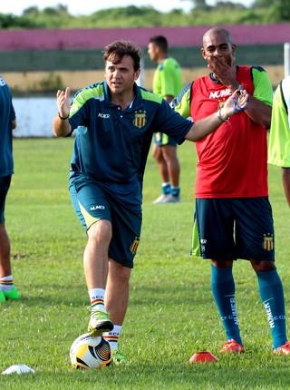 Petkovic já adiantou que Arlindo Maracanã vai para o jogo contra o Moto Club (Foto: Biaman Prado / O Estado)
