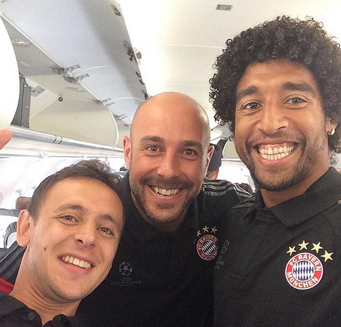 Rafinha e Dante, Bayern rumo a Moscou (Foto: Reprodução / Instagram)