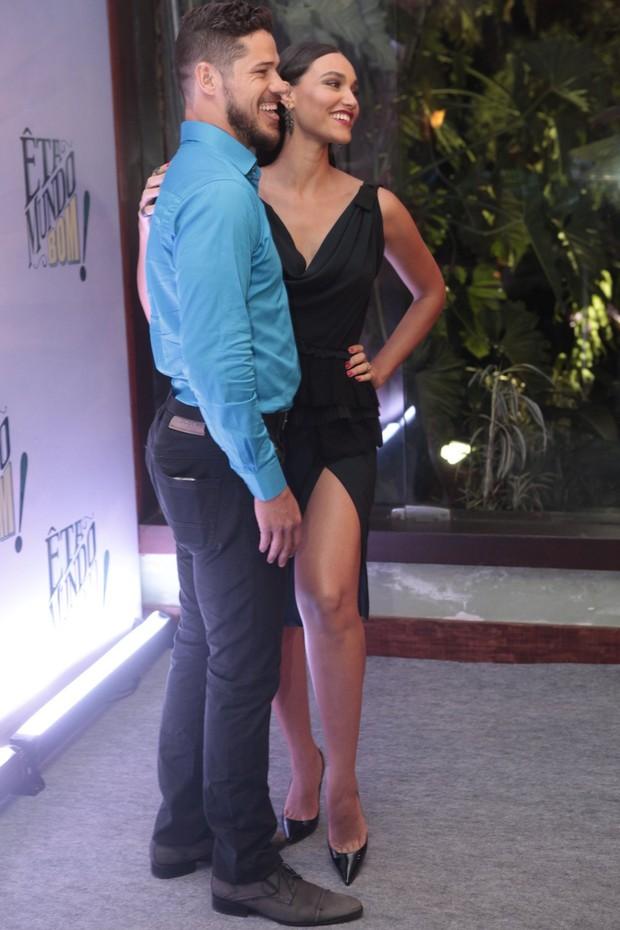 José Loreto e Débora Nascimento (Foto: Anderson Borde / AgNews)