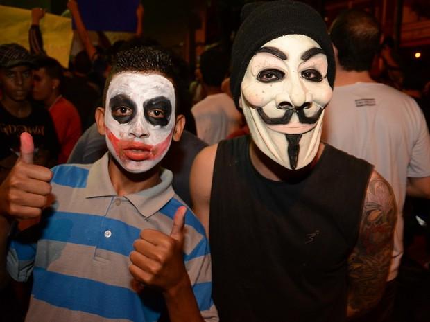 Manifestação em Piracicaba foi pacífica no início, mas acabou em confronto após 21h (Foto: Mauricio Gil/colaboração para o G1)