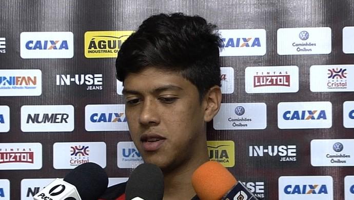 Betinho - volante do Atlético-GO (Foto: Reprodução / TV Anhanguera)