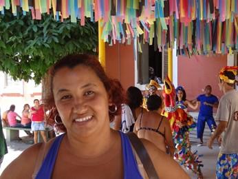 Sandra Maria já foi interna e voltou para visitar colegas (Foto: Katherine Coutinho / G1)
