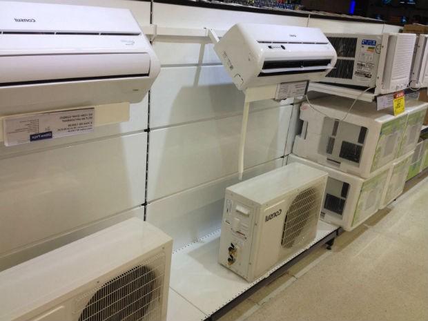 Mercado oferece inúmeros modelos de aparelhos de ar-condicionado (Foto: Arquivo pessoal)