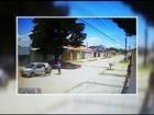 Mulher tem carro roubado na porta de casa em Luziânia, em GO; vídeo