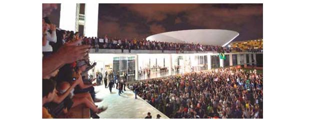 Ocupação do congresso (Foto: noticias.uol.com.br)