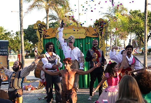 A Cia Farsacena é um grupo de artistas que juntos realizaram mais de 15 espetáculos teatrais (Foto: Divulgação)