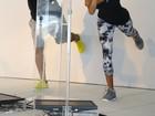 Paulo Vilhena e Thaila Ayala se alongam durante evento no Rio