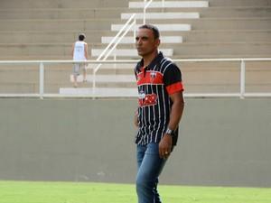 Gilmar Estevam técnico Nacional de Muriaé NAC (Foto: Johnny Levate/Nacionalinos)