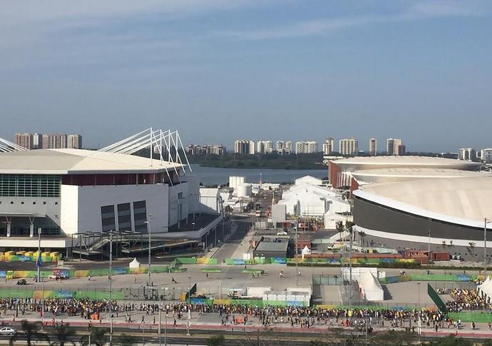 Filas enormes no Parque Olímpico na manhã deste sábado (Foto: REUTERS/Laura Saraiva)