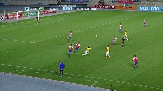 """Artilheiro, Vinicius Jr. celebra chapéu-triplo: """"Disseram que lembrou o Ronaldinho"""""""