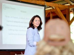 Ana Toni apresentou objetivos, pilares e desafios para desenvolvimento sustentável na Amazônia (Foto: Marina Souza/G1 AM)