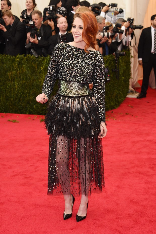 Kristen Stewart no baile de gala do MET (Foto: AFP)