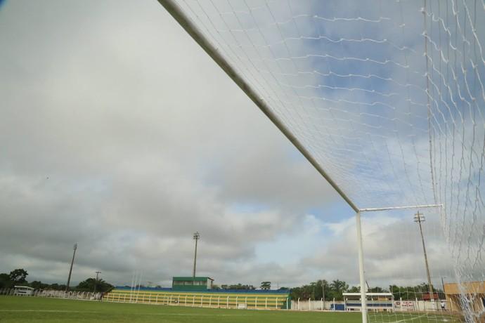 Estádio Felipão, em Altos (Foto: Luís Júnior)
