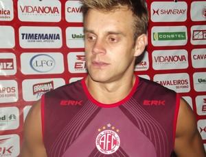 Thiago Schmidt, goleiro do América-RN (Foto: Matheus Magalhães/GLOBOESPORTE.COM)