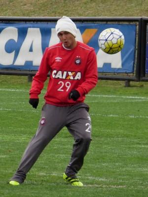 Vinícius Atlético-PR (Foto: Fernando Freire)
