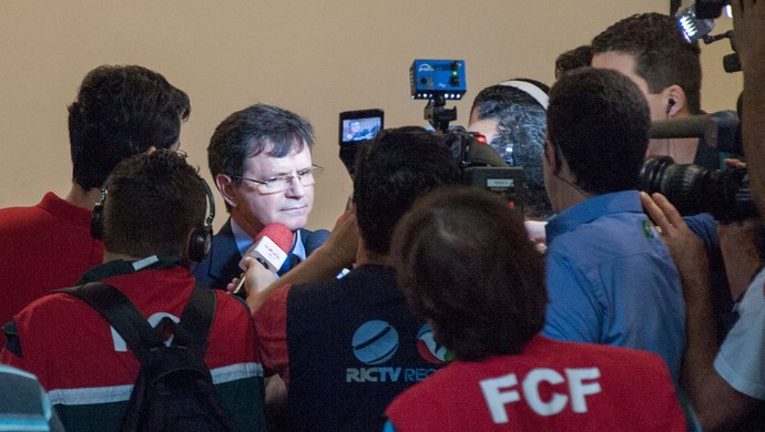 Delegado Portuguesa x Joinville (Foto: Mister Shadow / Ag. Estado)
