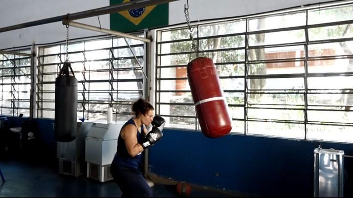 Flávia Figueiredo, boxeadora da Seleção Brasileira no Centro de Treinamento em São Paulo (SP) (Foto: reprodução EPTV)