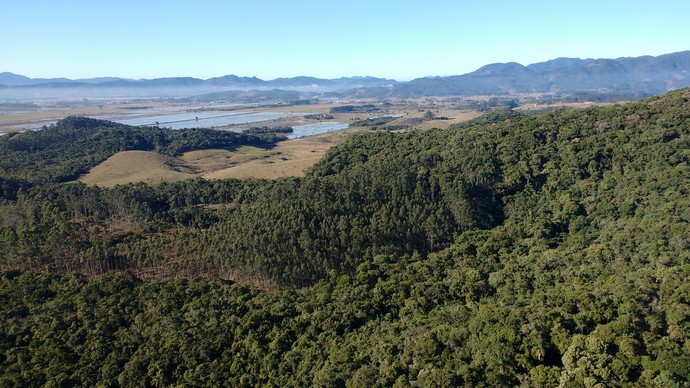 Do passeio a Camille Reis conseguiu ver parte da Grande Florianópolis e do Vale do Itajaí  (Foto: Lívia Andrade/RBS TV)