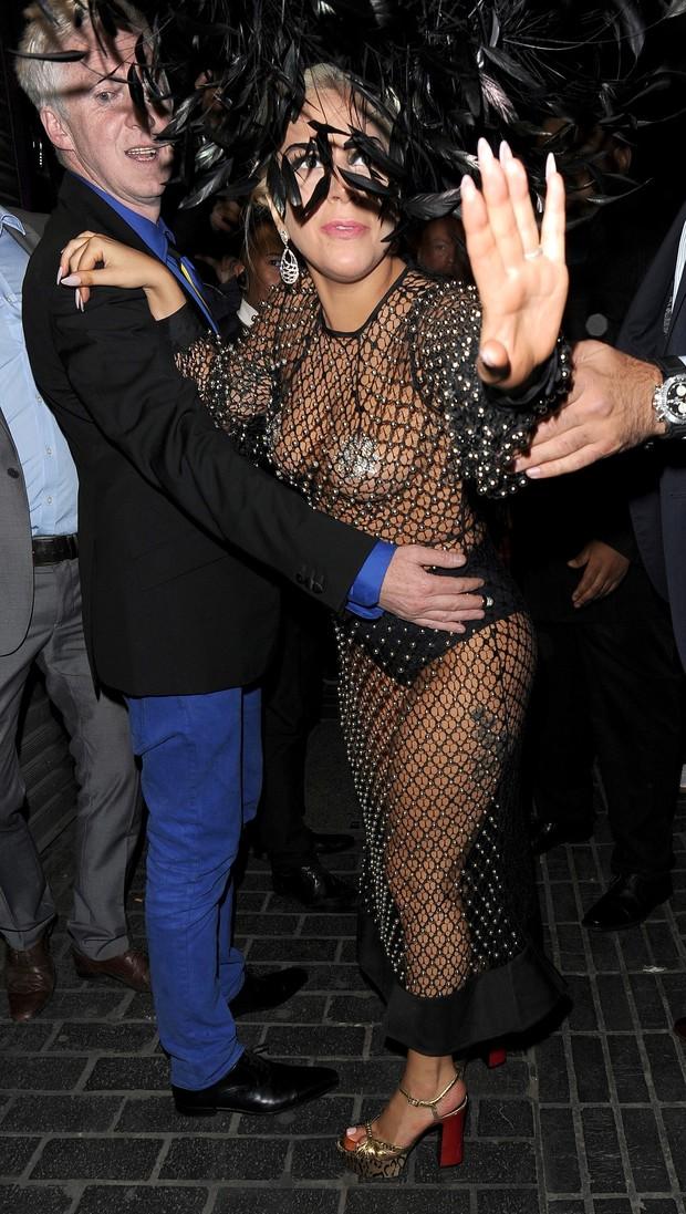 Lady Gaga em Londres, na Inglaterra (Foto: AKM-GSI/ Agência)