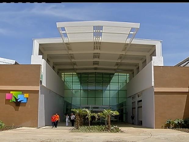 Shooping Park Lagos é inaugurado em Cabo Frio (Foto: Reprodução / Inter TV)