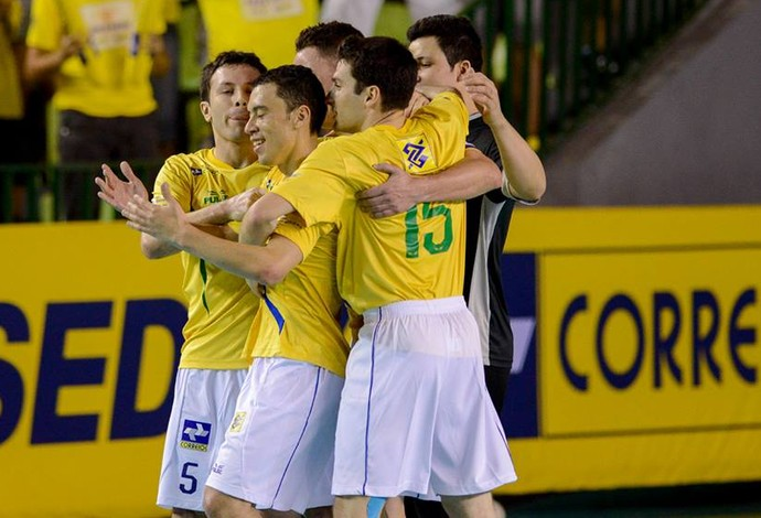 Fernandinho Brasil Paraguai Grand Prix Futsal (Foto: Flávio Moraes/Divulgação)