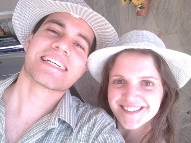 O engenheiro mecânico Álvaro Moreira e a contadora Aline Engracia, que estão há seis anos juntos  (Foto: Arquivo pessoal)