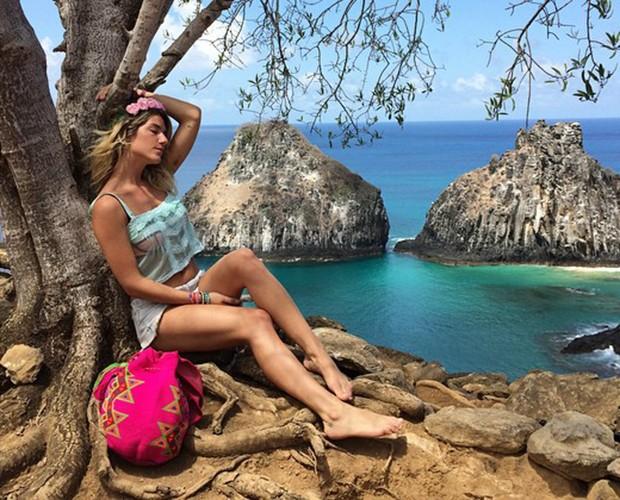 Giovanna posando para a foto em lugar paradisíaco (Foto: Arquivo Pessoal)