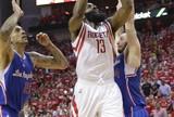 Harden aparece no último quarto e Rockets empatam série com Clippers