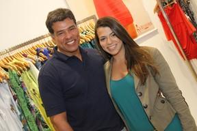 Maurício Mattar e a filha Petra em inauguração de loja no Rio (Foto: Roberto Filho / Divulgação)